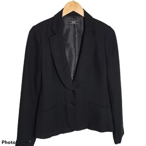 Suzy Sheir shawl color  black crepe blazer